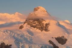 Antarctica_mountain-landscape_RonNiebrugge
